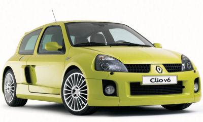 Présentation de la Renault Clio Break. Encore plus réussie que la berline Clio 2, voici ce break Clio 2 après son restylage de 2005. Les principales évolutions par rapport à la Renault Clio 2 viennent des optiques avant affinées, d'un nouveau bouclier avant. Les changements apportés à la partie arrière restent anecdotiques...
